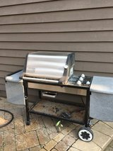 WEBER GENESIS GOLD GRILL 3 BURNERS LOTS OF TABLE SPACE in Yorkville, Illinois