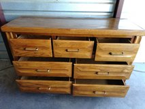Nice dresser with 7 drawers in good condition in Fort Bliss, Texas
