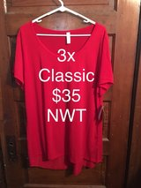 3x Lularoe Classic T - NWT in Chicago, Illinois
