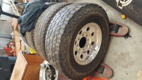 2002 f250 powerstroke rims and tires in Camp Lejeune, North Carolina