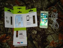 iPhone 5 WHITE & SILVER 32GB w/ STRAIGHT TALK AT&T SIM Card & USB Charger Unlocked Cell Phone BYOP in Ruidoso, New Mexico