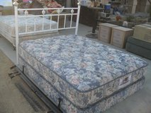 ~~~  Queen Bed  ~~~ in 29 Palms, California