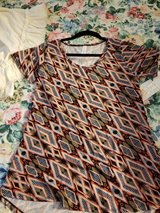 Lularoe classic t shirt in Warner Robins, Georgia