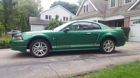 Electric Green 2000 Ford Mustang LOW MILEAGE (Naperville) in Plainfield, Illinois