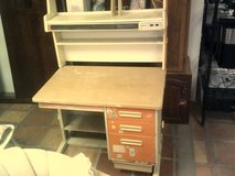Desk with drawers in Alamogordo, New Mexico