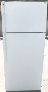 18 CU. FT. HOTPOINT REFRIGERATOR in Oceanside, California