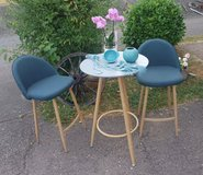 brand new set high table with 2 chairs in Spangdahlem, Germany