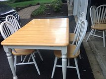 Table and Chairs in Lockport, Illinois