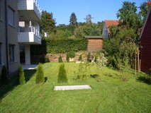 *Beautiful new 3 BR apartm. Sunny yard, 3 min. Panzer, 10 min. Patch. Best location in Böblingen in Stuttgart, GE