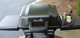 Char Broil Classic Gas Grill With Utensils in Chicago, Illinois
