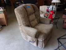 Light Brown Big Man's Recliner Chair in Fort Riley, Kansas