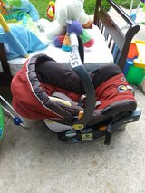 Chicco Infant Rearfacing Carseat in Bellaire, Texas