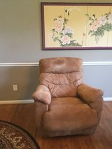 TWO BEAUTIFUL CLEAN GOLD LAZY BOY RECLINER/ROCKERS in Kingwood, Texas
