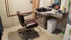 shampoo bowl and hydraulic chair in Naperville, Illinois