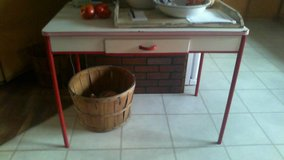 Red and white table in Fort Leonard Wood, Missouri
