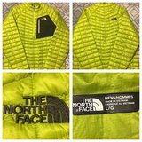 NWOT Men's Lg The North Face Thermoball pullover jacket in Chicago, Illinois