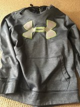 Men's Under Armour Size small in Chicago, Illinois