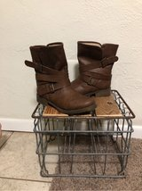 Womans Boots 8 1/2 in Alamogordo, New Mexico