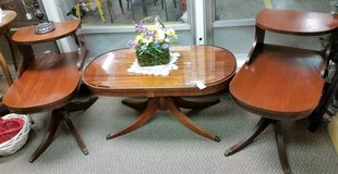 Coffe table & end tables in Clarksville, Tennessee