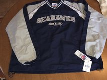 SEATTLE SEAHAWKS -  Mens V-Neck Sideline Pullover Lightweight Jacket (L) *** NEW *** in Fort Lewis, Washington
