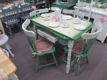 Vintage Porcelain Top Table With 4 Chairs in Camp Lejeune, North Carolina