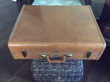 Lg Leather Suitcase in Kingwood, Texas
