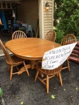 Oak Dining Table & 5 Chairs in Bolingbrook, Illinois