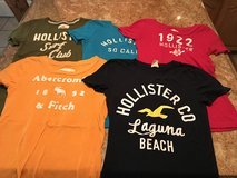 Hollister and Abercrombie Shirts - Size XS Juniors - Good Condition - 5 Shirts in Cleveland, Texas