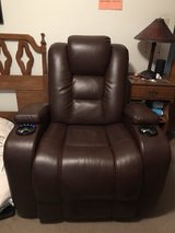 Recliner Electric in St. Charles, Illinois