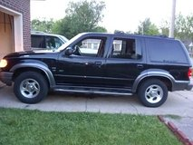 Ford explorer xlt EFI sunroof awd.. needs timing chain.. don't start in Tinker AFB, Oklahoma