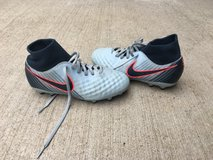Girls Nike Soccer Cleats Size 4.5 in Plainfield, Illinois
