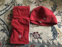 Gap hat and scarf in Clarksville, Tennessee