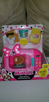 minnie mouse oven set in Fort Benning, Georgia