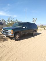 95 Chevrolet Suburban in Yucca Valley, California