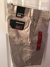 Men's Utility Shorts Size 34 Waist (NEW) in The Woodlands, Texas