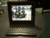 Apple iPad with Rocketfish Hard Case/Bluetooth Keyboard in Cherry Point, North Carolina