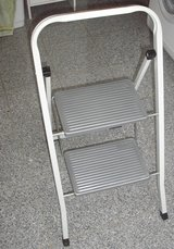 stepladder - solid 2 step ladder, foldable, very good condition in Stuttgart, GE