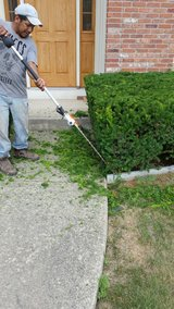 trimming, mulch, weeding in Yorkville, Illinois