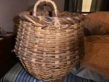 VERY LARGE BASKETS in Pleasant View, Tennessee