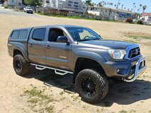 4x4 2012 Toyota Tacoma TRD Off-Road LOW miles in San Diego, California