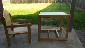 set of desk & chair in Lawton, Oklahoma