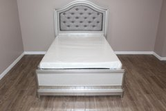 Beautiful full size bed including mattress, tufted diamond headboard in CyFair, Texas
