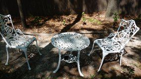 Vintage cast aluminum outdoor table and chairs in Perry, Georgia