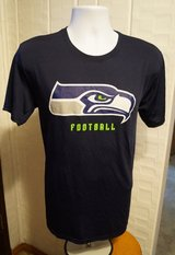 SEATTLE SEAHAWKS - NFL Team Apparel T-Shirt (Men's Medium) *** NEW *** in Fort Lewis, Washington
