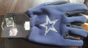 Dallas Cowboys Utility Gloves in Okinawa, Japan