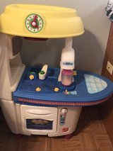 Kids Play Kitchen in Joliet, Illinois