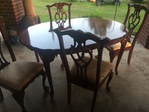 Beautiful Dining set in Spring, Texas