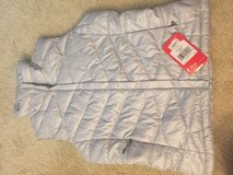North face women vest size s New in Lockport, Illinois