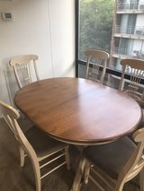 Canadel table with leaf and 6 chairs in St. Charles, Illinois