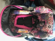 Car seat with base in Fort Bliss, Texas